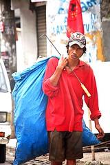 Jakarta streets (Mangiwau) Tags: street streets indonesia shots south disposal scene jakarta rubbish raya activity jalan scenes sidewalks collector tukang sampah pinggir