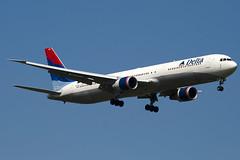 N831MH - 29702 - Delta Air Lines - Boeing 767-432ER - 100617 - Heathrow - Steven Gray - IMG_4276