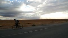 Mai cos solo, trovai il pensiero di scappar lontano... (Pa!) Tags: bike strada nuvole panasonic pa solo bici marocco sole colori luce fes fili raggi ragazzo fatica sforzo lx3 soleraggi zapparolipaolo paolozapparoli