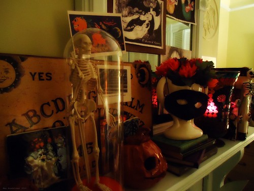 the samhain mantle