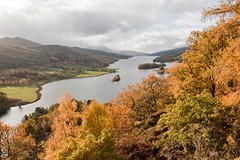 Queen's View (AndrewRBrown) Tags: autumn red colour fall water leaves yellow perthshire loch queensview