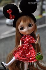 ANILINA - Tá muito feliz ! Gostou do vestido da Minnie.