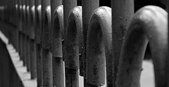 Fading Perspective (Kumaravel) Tags: blackandwhite canon fence mahabalipuram kumaravel canonixus95is fadingperspective