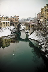intervallo (bass_nroll) Tags: bridge winter cold ice canon river italia fiume dora ponte neve inverno dicembre freddo ivrea citt romanico nevicata vecchio ghiaccio borghetto baltea canavese 450d thevanpelt nazenkillsacat authorsclub