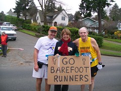 barefoot runner welcome Seattle Marathon 2009