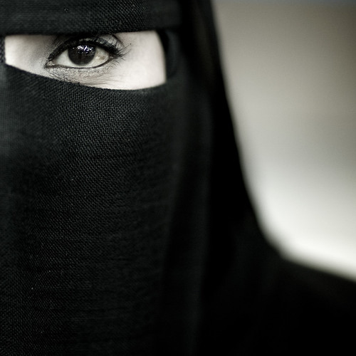Samira, veiled woman from Salalah, Oman by Eric Lafforgue