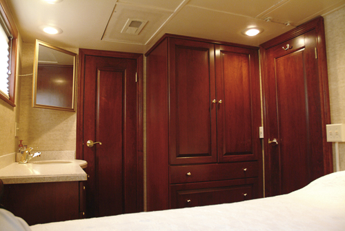 Private Rail Car - Observatory, bedroom