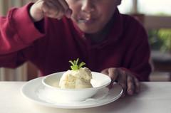 Vanilla (rc*d) Tags: california boy dessert restaurant eating icecream carmel pebblebeach vanilla roys mintleaves nikkor35mmf2 innatspanishbay hawaiianfusion touristybutgood roysatpebblebeach