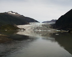 Close to Juneau, the capital of Alaska, is the Mendenhall Glacier.