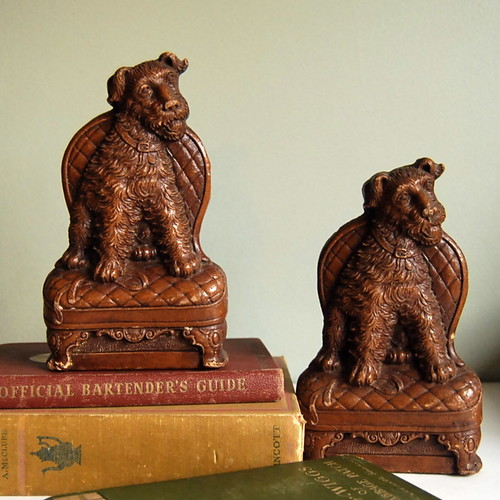 Vintage Dog Bookends in Syroco Faux Wood