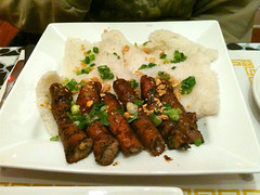Beef rolls over vermicelli noodles