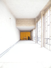 Couloir -Le Corbusier (Mr. L'Architecte) Tags: light france glass colors yellow metal jaune lumire couleurs modernism minimalism lecorbusier mtal couloir corbusier modernisme beton couvent vitres bton tourette minimalisme charlesedouardjeanneret rhnesalpes