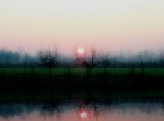 Sunrise on the channel (Muratodentro [ Luca Renoldi ]) Tags: sun reflection water sunrise river landscape nikon channel