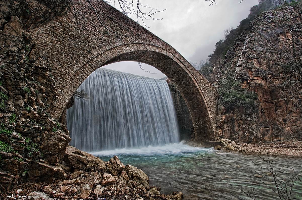 Stone bridge of Palaiokaria