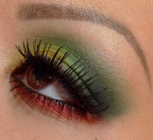 Rasta themed green gradation eye makeup design
