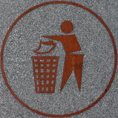 Bin it (Leo Reynolds) Tags: sign canon eos iso400 bin 300mm litter rubbish squaredcircle f71 binit 0008sec 40d signinformation hpexif sqset046 xleol30x xxx2010xxx