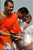 Holy Water and Radiant Smile (Ursula in Aus) Tags: tattoo thailand yantra tattooing waikhru nakhonpathom นครปฐม ประเทศไทย sakyant tattoofestival รอยสัก watbangphra nakhonchaisi earthasia nakhonchaisri totallythailand วัดหลวงพ่อเปิ่น ครู รูปสัก วัดบางพระ ลายสัก สักยันต