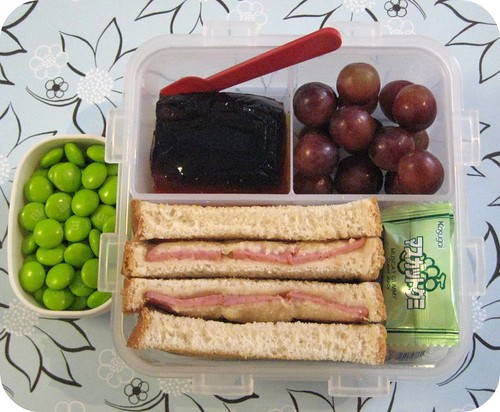 Bento #129 - Kielbasa and Parmesan Sandwich