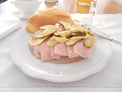 sanduíche aberto