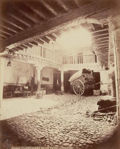 Patio de la Posada de la Sangre hacia 1880 por Casiano Alguacil. Image by © Alinari Archives/CORBIS