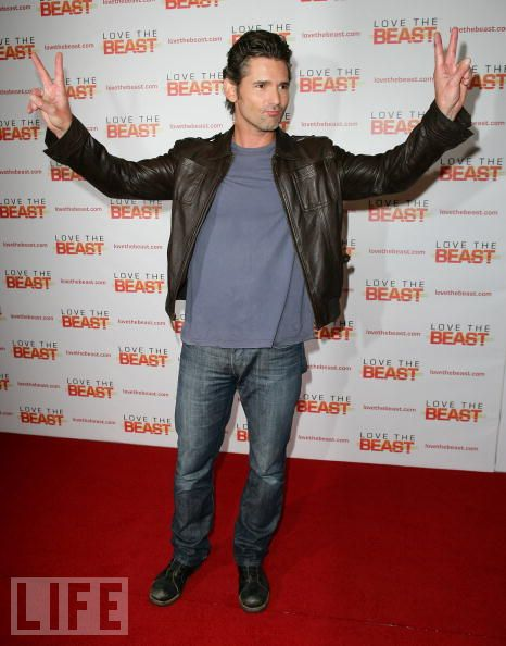 eric bana and those damn hands