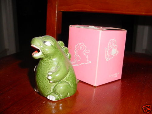 godzilla_ashtray