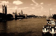 Thames river and sightseeings (Aleksejs Medvedevs (Alex)) Tags: england londoneye citycenter thamesriver