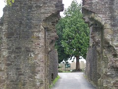 Entrance to Abergavenny Castle (Taracy) Tags: castle brecon abergavenny abergavennycastle