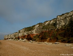 Hunstanton Cliffs (PhotoMan129 ) Tags: red sea white coast sand norfolk cliffs stratified redandwhite hunstanton hunstantoncliffs mywinners abigfave abigfav canon400d anawesomeshot flickraward