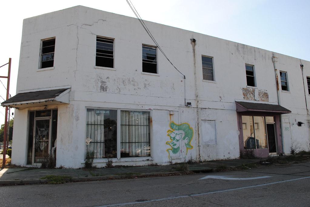 vacant storefront, graffiti