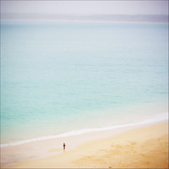 Solitaire (edwardkb) Tags: ocean vacation england holiday praia beach water vacances sand cornwall britain united kingdom stives