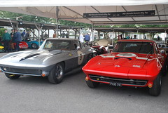 Chervrolet Corvette Stingray 1963 and Chervrolet Corvette Stingray 1965 (f1jherbert) Tags: sussex westsussex stingray meeting 1950s 1960s corvette classiccars goodwood vintagecars motorsport chichester 1963 revival corvettestingray chervrolet nikoncamera 1950scars nikondslr nikond80 goodwoodmotorcircuit revivalmeeting goodwoodrevivalmeeting nikond80camera goodwoodrevival2008 goodwoodrevivalmeeting2008 cars1960s goodwoodmotorsport goodwoodmotorracing 1963chervroletcorvettestingray chervroletcorvettestingray 1963chervrolet