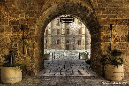 canon monumento castello salento puglia hdr sud scorcio... (Photo: roberto.rando on Flickr)