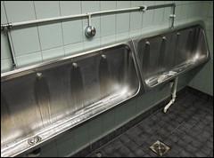 (Mann-ist-0) Tags: vanda urinal urinals vantaa colorefexpro