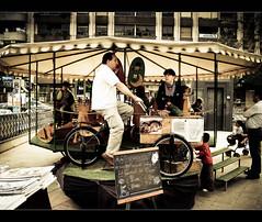 Carrusel ecolgico / Ecological carousel (11Rue) Tags: street bike bicycle trabajo calle power engine bicicleta carousel nios human childrens motor olympuse300 merrygoround job funfair mange 43 ecological tiovivo carrusel ecolgico fourthirds 11rue