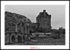 The Castle (BW) (Carlos F1) Tags: old inglaterra england blackandwhite bw cloud white black reflection castle byn blancoynegro blanco water clouds reflections scotland highlands high agua nikon rocks dynamic cloudy unitedkingdom united negro scottish kingdom escocia bn special nubes reflejo nublado chateau effect range viejo eilean donan castillo hdr antiguo nube rocas reflejos especial reino unido reinounido desaturate efecto d300 dornie escoces desaturado desaturacion scotlanda
