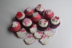 Hello Kitty (All you need is Cupcakes!) Tags: hello pink love argentina cookies cake cupcakes girly kitty cupcake need cumple girlie romantico torta galletas galletitas needcupcakes allyouneediscupcakes