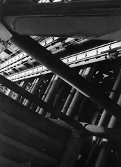 (Flo Fairweather) Tags: white black building film 400 ilford lloyds
