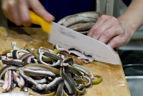 slicing eel