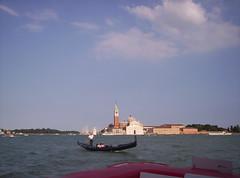 Gondola e Isola di San Giorgio (Grabby Walls) Tags: world travel venice italy italia places venezia viaggi viaggio veneto viaggiare grabbywalls