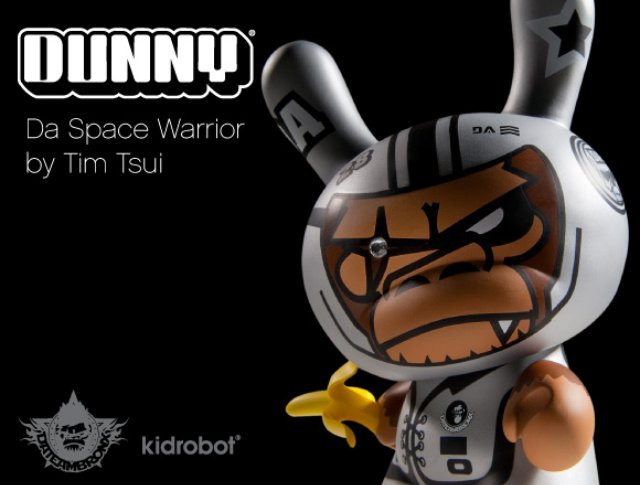 Tim-Tsui-x-Kidrobot-Da-Space-Warrior-Dunny-01