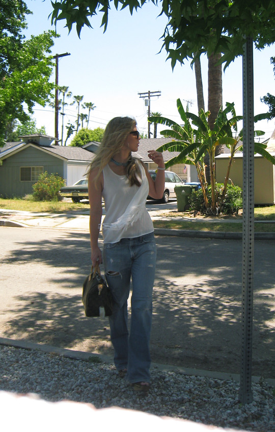 Leyendecker blouse+ripped Levis jeans+Miu Miu clog sandals+Louis Vuitton bag-3