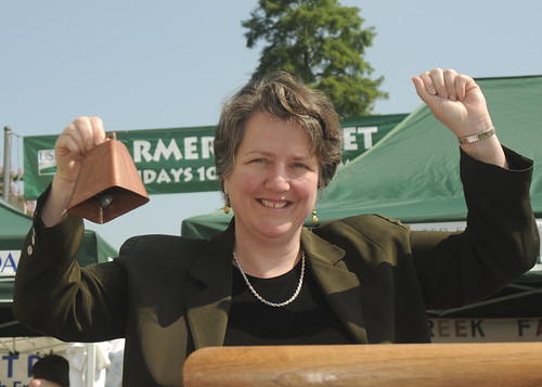 Deputy Secretary of Agriculture Kathleen Merrigan make remarks, then rings the bell opening the 2010 Farmers Market at the U.S, Department of Agriculture in Washington, D. C., on Friday, June 4, 2010.