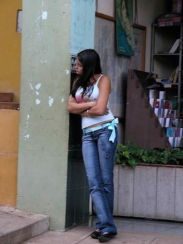 Esperando - Waiting; Sensuntepeque, Cabañas, El Salvador