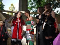 P1080617 (styeb) Tags: concours cosplay 2009 comdie du livre montpellier comedie mai auteur esplanade bd
