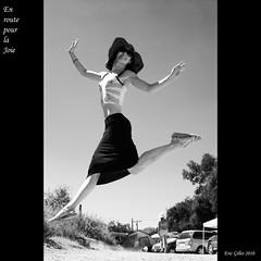En route pour la joie* (Eric Gillet - Shoot That Klown) Tags: art de circus maria lib cirque vire san francisco society bottle marialamance lightning vau lib2010