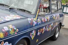 Flower Power Art Car VW station wagon type 3 (Crystalyn Kae) Tags: navyblue fremontsolsticeparade paintedflowers vwtype3stationwagon