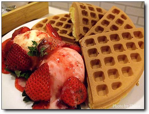 草莓鬆餅2