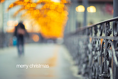 merry christmas (Remo Hediger) Tags: christmas street bridge switzerland bokeh swiss luzern mk2 5d merry lucerne remo 1285 reuss pasajero 85l hediger