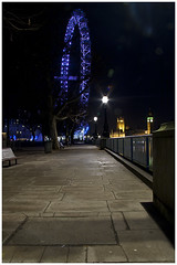 The London Eye, SthBnk @ Xmas night (mostaque) Tags: black london night dark londoneye southbank riverthames